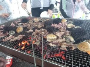 ウニとアワビとバカガイ、牛肉!