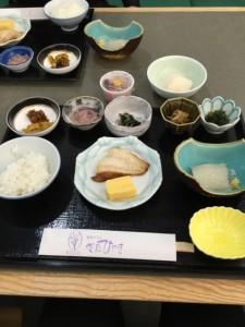 正しい日本の朝食。いか刺しおいしかったです!