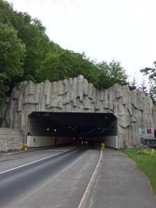 4kmもある長い長い銀河トンネル。