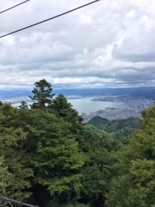 2階は展望デッキがあって、琵琶湖がよく見えます。
