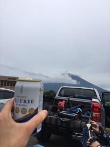 ライド後はビール!といきたいところですが、ノンアルで。